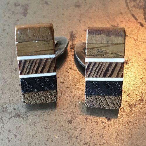Manschettknäppar i silver med intarsia i trä