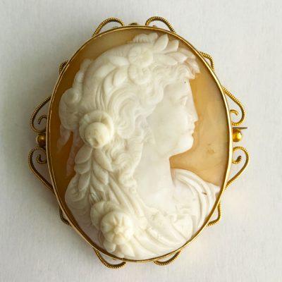Snäckskalskamé, 8k guld, 1900-talets första hälft