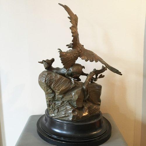 Baksidan av skulpturgruppen.