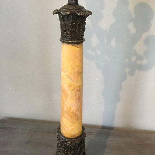 Marmor och brons-skaft